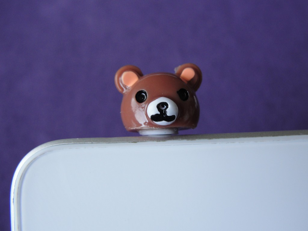 plastic brown bear head dust plug