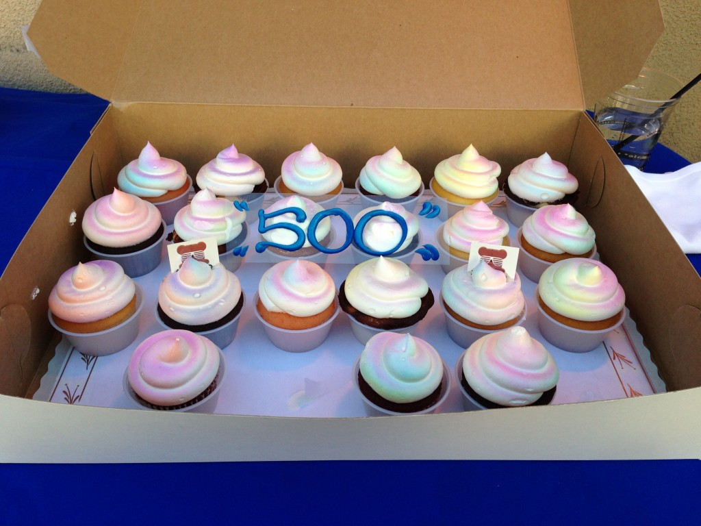 cupcakes with blue frosting 500 sign