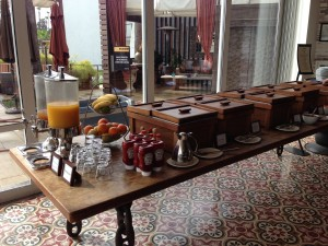 hotel maya hot breakfast