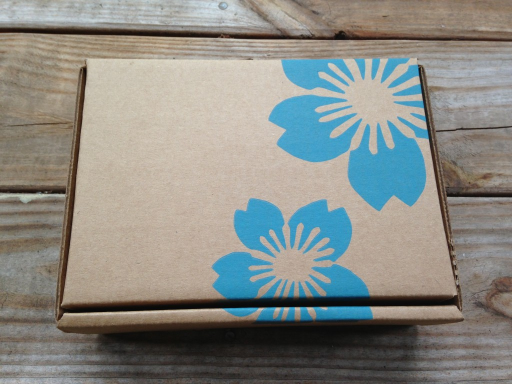 new yuzen box exterior box in rectangular shape with blue flowers on brown cardboard