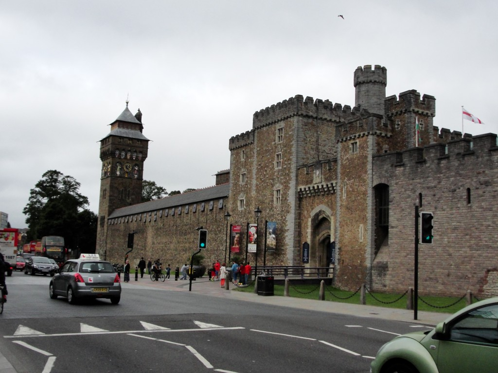 front entrance of cardiff castle