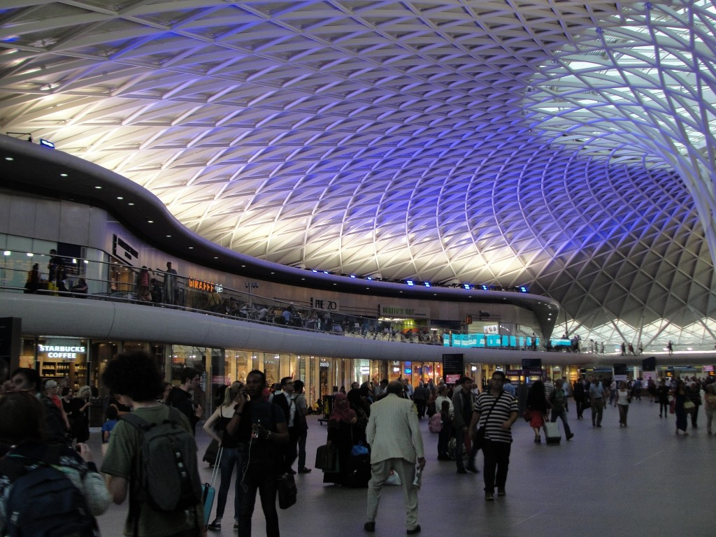 spacious interior of london king's cross train station