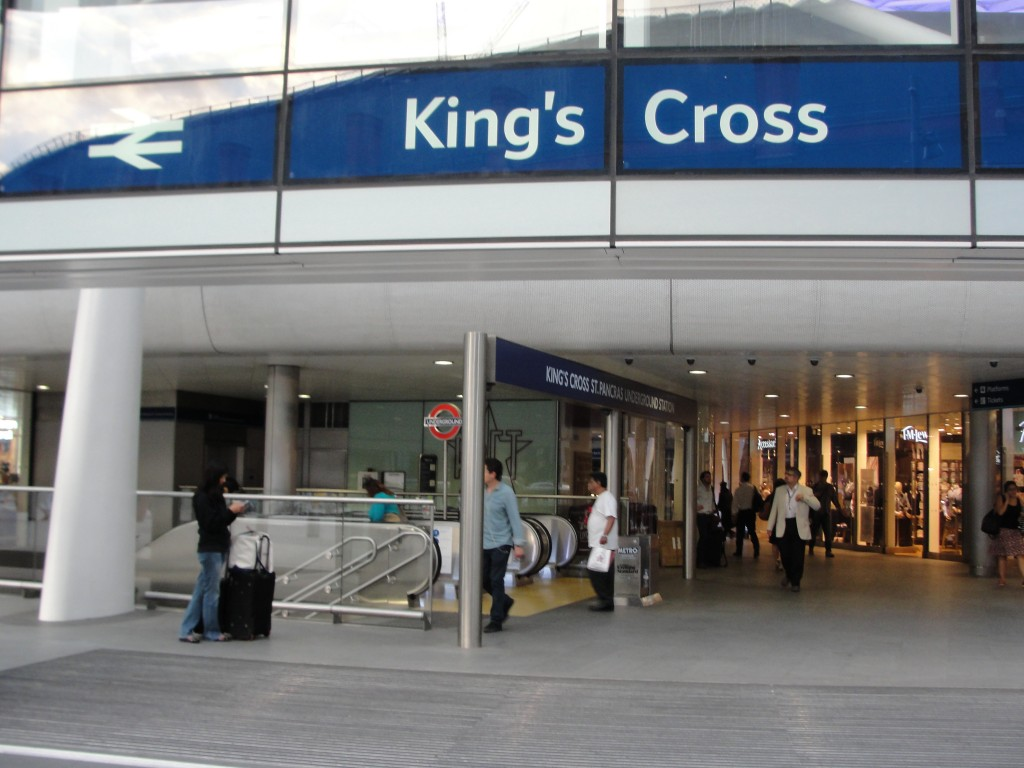 entrance to king's cross underground tube station