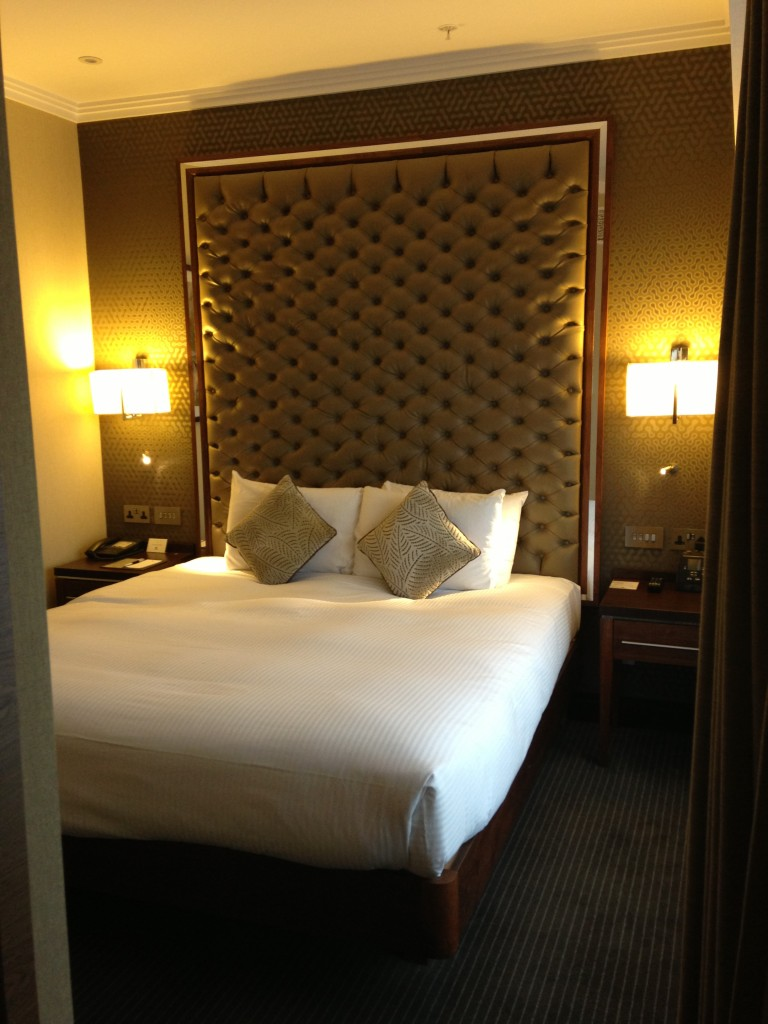 doubletree by hilton victoria hotel bed