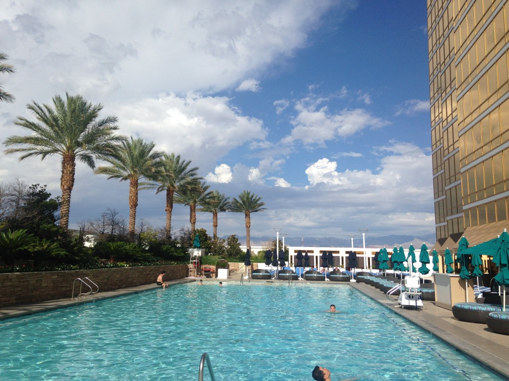 swimming pool at trump las vegas