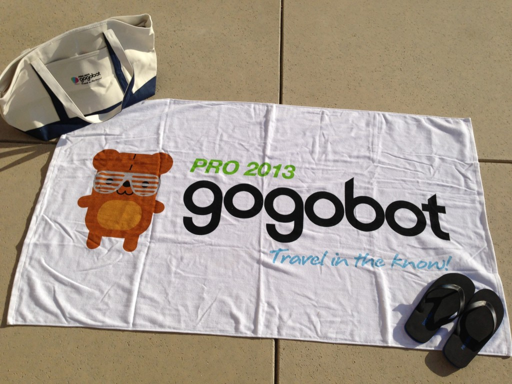 gogobot pro 2013 canvas tote bag, beach towel, and flip flops