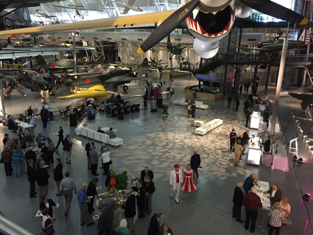 nasm volunteer appreciation night in udvar-hazy center
