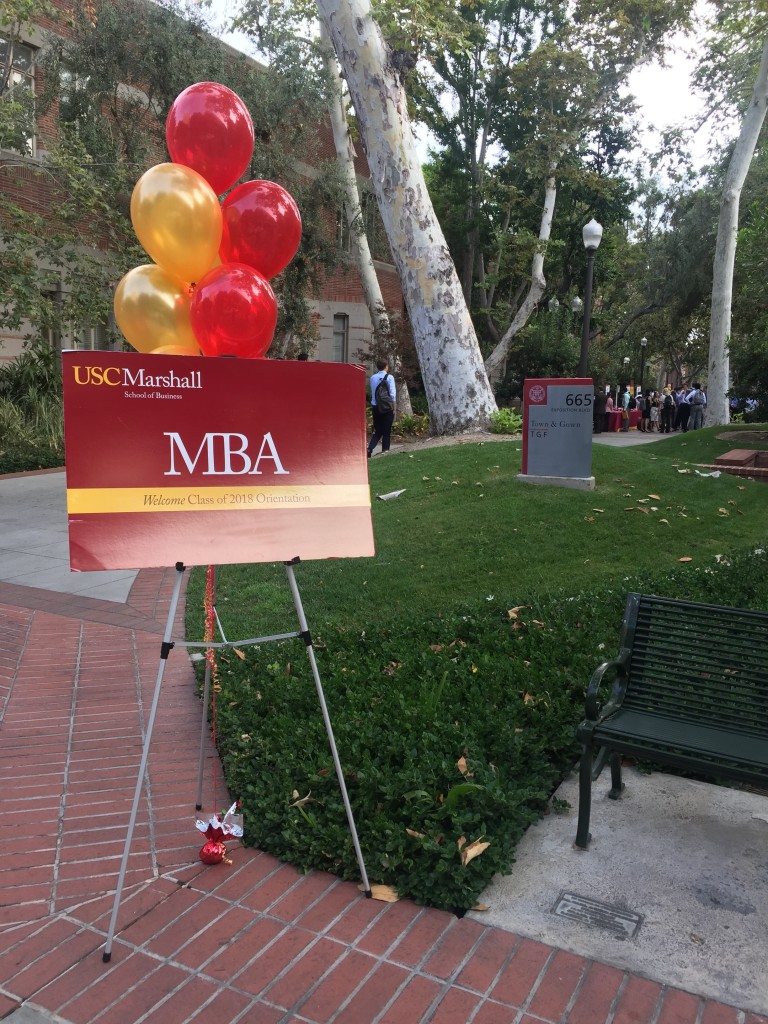usc marshall mba welcome sign with balloons