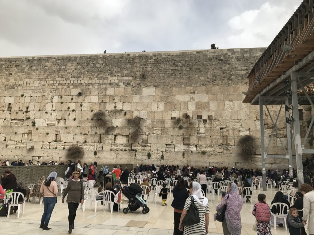 western wall women's crowded side